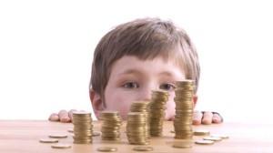I soldi? Prendiamoli dai bambini.